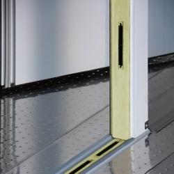 Λεπτομέρεια πατώματος πόρτας λυόμενου θαλάμου ψύξης